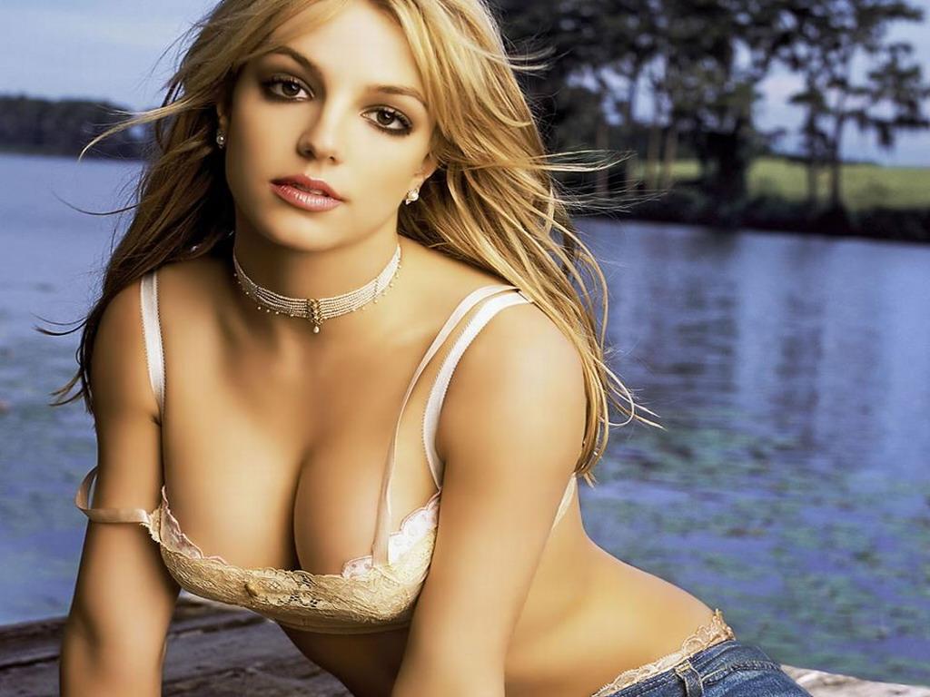Artist Countdown: Britney Spears Top 40 Hits 1pm ET @britneyspears
